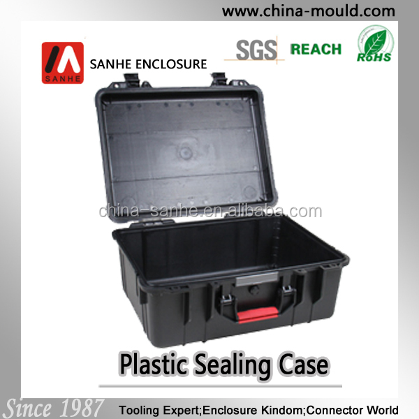 Heavy duty plastic equipment case