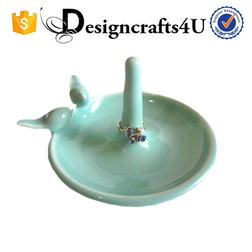Wholesale Novelty Wedding Ceramic Ring Holder as Jewelry display stand