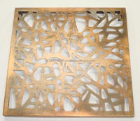 Decorative Metal Wall Art in Antique Brass 5262