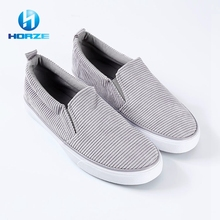 China Wholesale gray Woman Walk Flat New Design Rubber Canvas Shoes