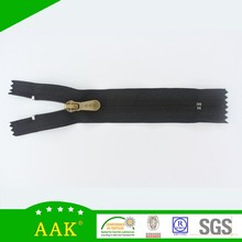 Garment accessories 5# coil close end with reversible slider nylon reversible zipper