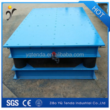 Electric small vibrating table for concrete molds