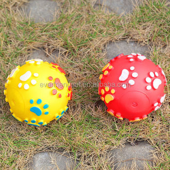 2014 New Design! High Quality Plastic Ball for Pets