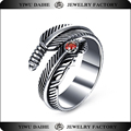 Daihe Vintage style stainless steel adjustable feather ring