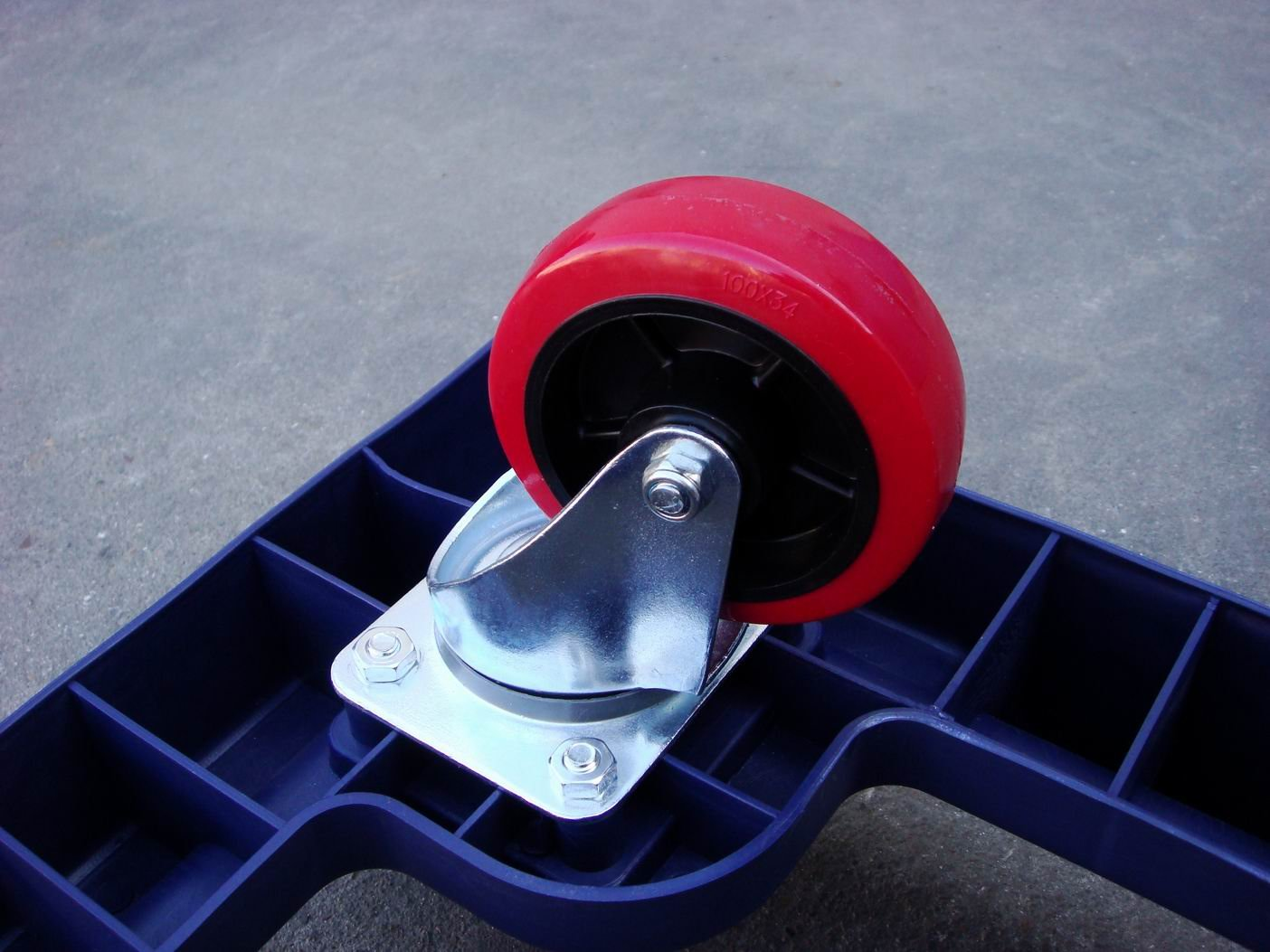 plastic moving dolly with four wheels
