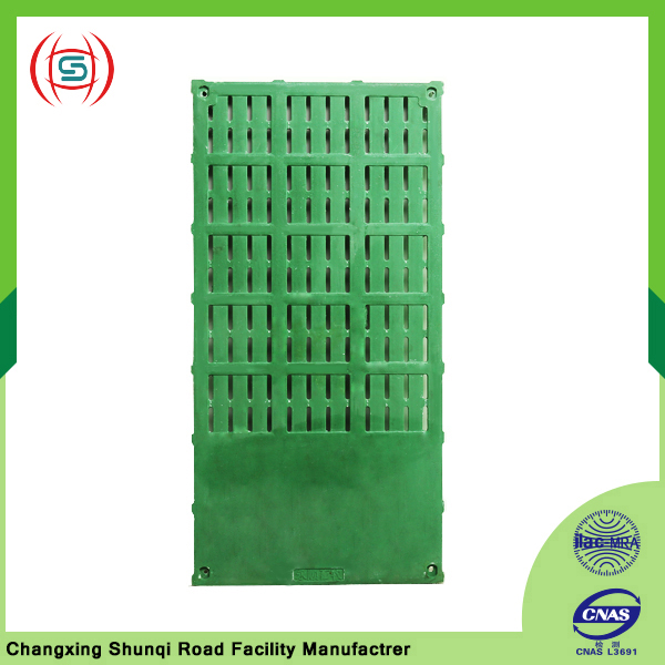 Top composite material slatted floor for livestock