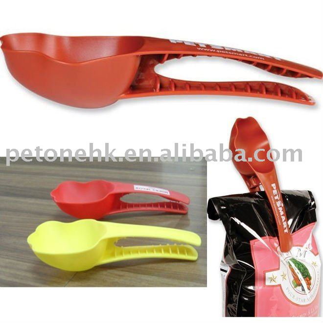 Plastic Pet Food Clip Scoop