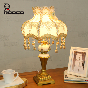 ROOGO Decorative modern nightstand resin hotel bedside lamp desk lamp for home decor