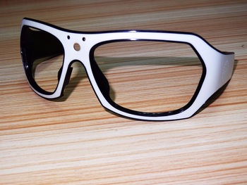 OEM customized high precision sunglass plastic mold in hig quality