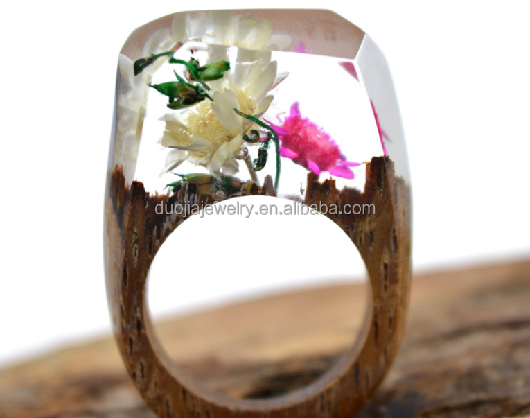 WR16 Latest style Secret Wood Rings with Miniature Landscapes in Resin Handmade Wood Ring for custom two finger ring