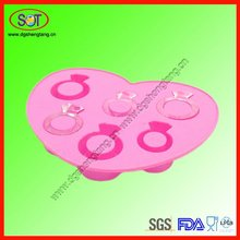 China Supplier hot logo silicone ice cube tray love ring shapes