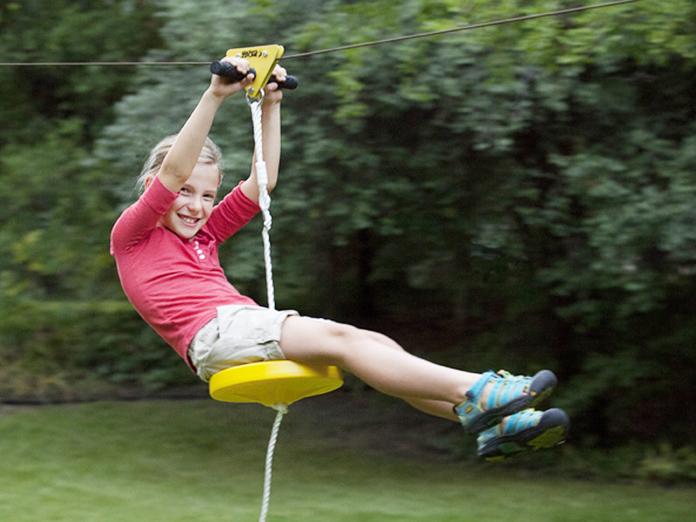ZipLine Trolley Pulley is equipped with a handlebar and dual ball-bearing in each wheels for years of fun and enjoyment