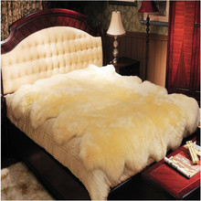 Luxury non slip shaggy faux sheepskin rug pad for living in morocco