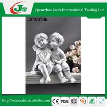 Set of 2 resin boy and girl figurine, for home decoration