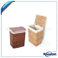 large wicker basket with lid and liner