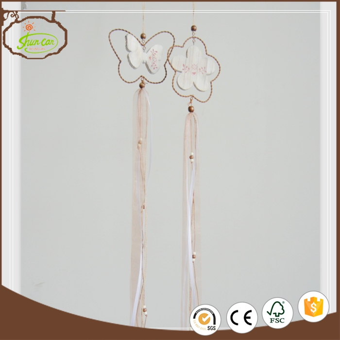 Hot sale wooden spring garland decoration garden ornament with A Discount