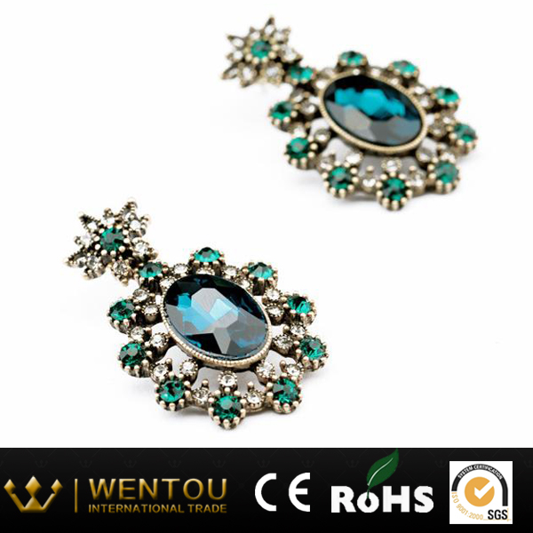 Austria Crystal Clustered Drop Earrings Zinc Alloy Stud Earrings Fashion Design Dangler