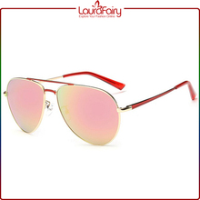 Laura Fairy Wholesale Summer Luxurious Big Frame Gray Temple Sunglasses With Model Picture