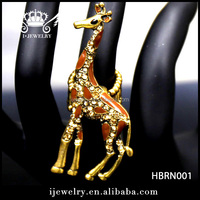 Latest design hot sale gold finger ring cartoon giraffe shape animal rhinestone ring