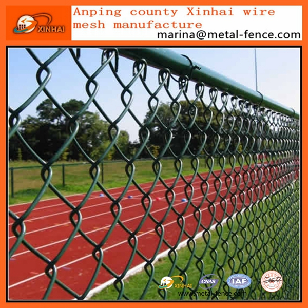 Galvanized Cyclone Wire Mesh/Sports Ground Fence