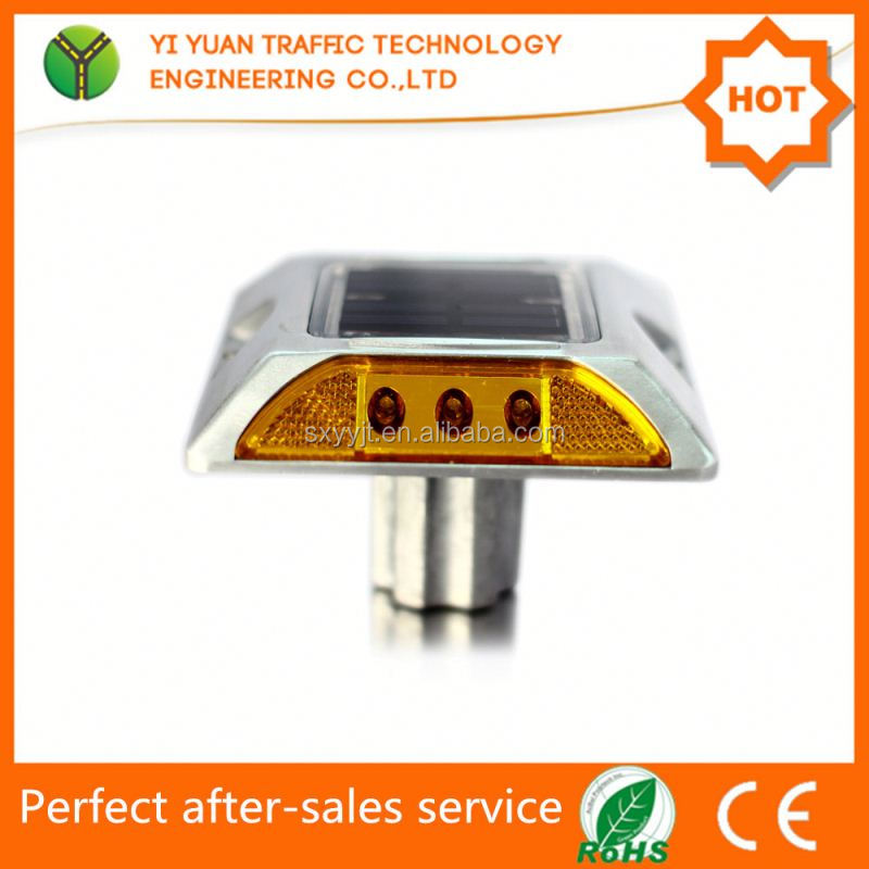 Solar powered aluminium road safety ground light in road stud