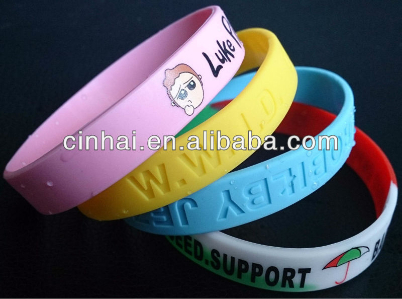 factory directly sale customized Europe Silicone Silly Arm Wristband