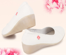 Wholesale latest style comfotable high quality white genuine leather wedges nursing shoes women shoes high heel shoes