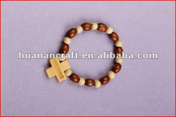 religious rosary crucifix cross statue keychain pendant wooden beads souvenir cheap christian wooden bracelet with picture