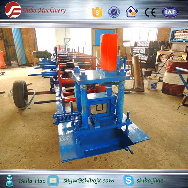 Metal Roofing C Purlin Roll Forming Machine fly sawing cutting and punching device