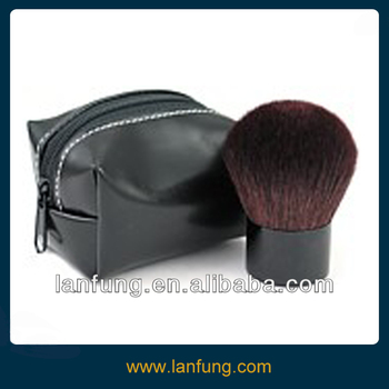 Portable Kabuki Brush with a pouch