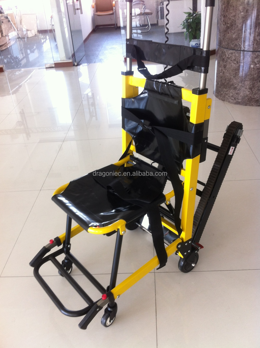 Dw st003a lightweight electric folding power stair for Motorized wheelchair stair climber
