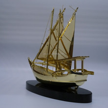 Wholesale Real Golden Plated Crystal Dhow Model With Black Base For Islamic wedding Souvenirs Gifts