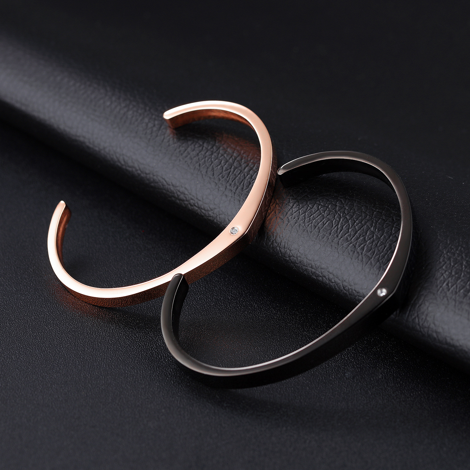 Drop Shipping Stylish Couple Cuff Open Valentine's Day Gift Bracelet Bangle Fish Shaped Titanium Rose Gold Charm Zircon Bracelet