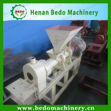 China supplier puffed food extruder machine/pet feed bulking machine/floating fish feed maker 008618137673245
