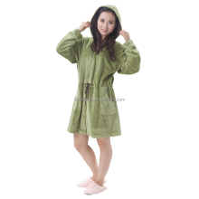 Wholesale 100 polyester women zipper robe hooded cheap bathrobe