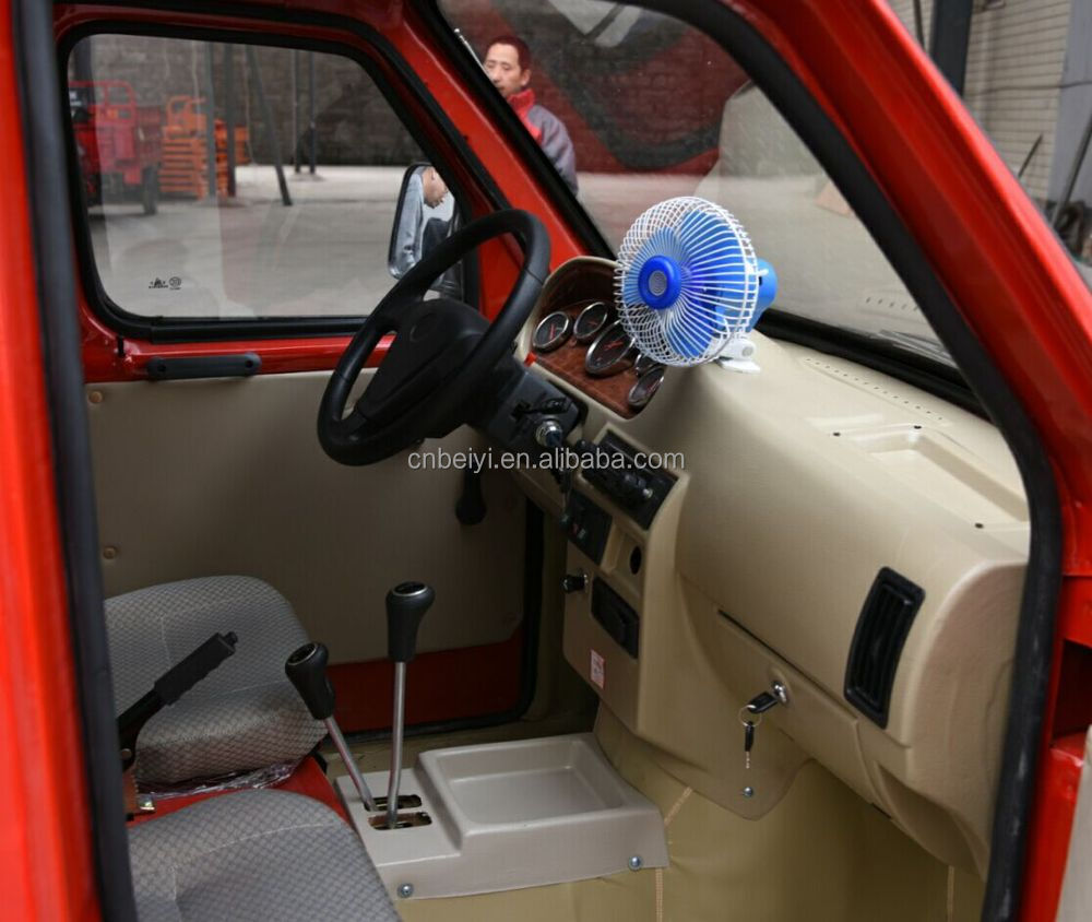 2016 classic durable passenger tuc tuc/bajaj passenger three wheel motorcycle enclosed tricycle for sale