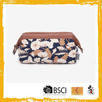 Wholesale durable plain contents sewing canvas cosmetic bag