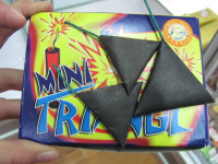 Mini Triangle Firecrackers flash powder big bang sound fireworks