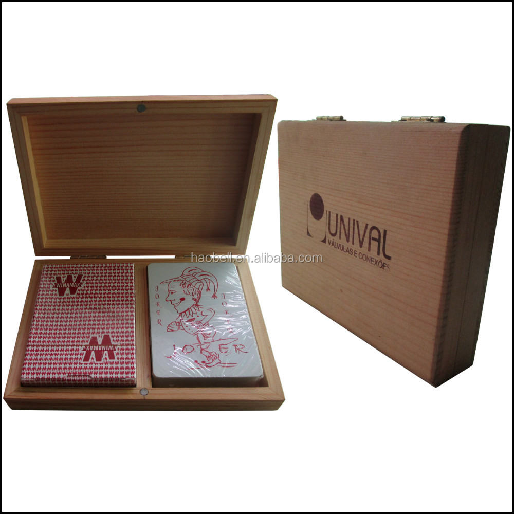 Double deck wooden box packing 100% plastic advertising promotional playing cards