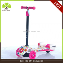 2017 hot selling kids 3 wheel kick scooters with rocket lights and steam