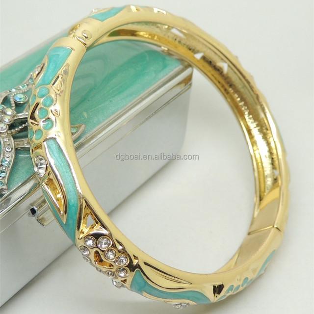 Gold plated crystal bangle fashion bangle set