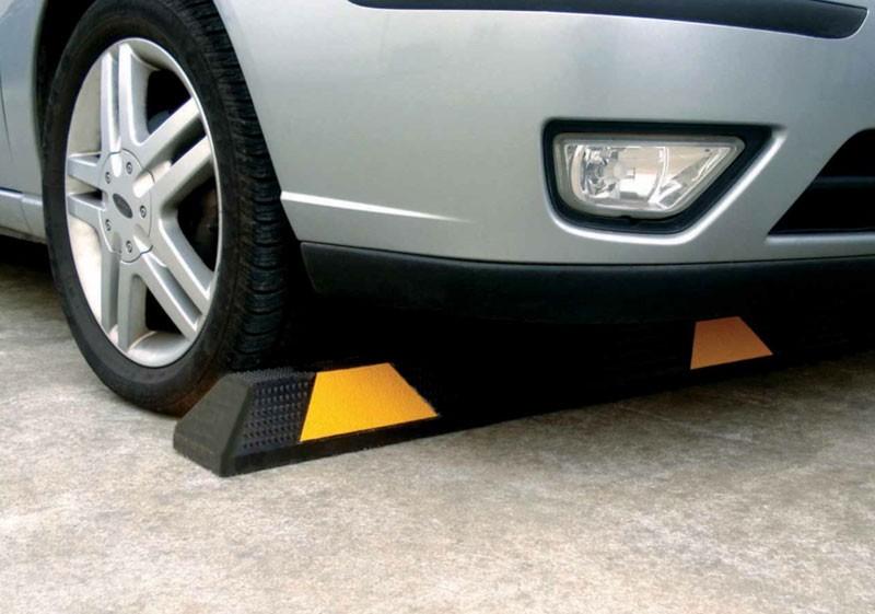 Australia Standard 1 65 Meter Rubber Car Parking Block