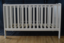 China wholesale nursery furniture/antique baby cribs/portable baby bed