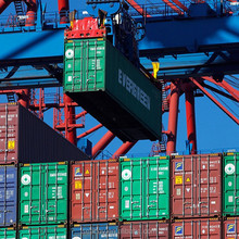 Container shipping from Shanghai to Venezia
