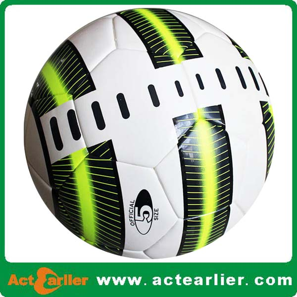 2016 good quality cheap custom logo football pvc soccer