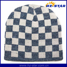 HZM-13699-4 White and black plaid custom cotton peaked man knitted plaid cap