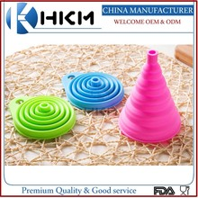 Multi Color eco-friendly kitchen utensils cooking square silicone foldable funnel