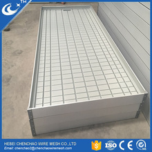 Plants growing equipment rolling benching with ebb and flow trays