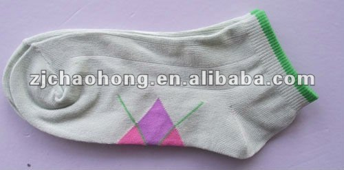 Girls white cotton jacquard sport ankle socks
