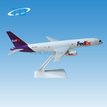 B757-200 FedEx 1:197 24cm used cargo airplane